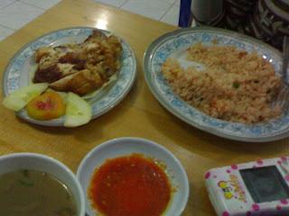 Nasi Goreng Ayam - Rumah Makan Nelayan Tarakan (Restoran Thailand)