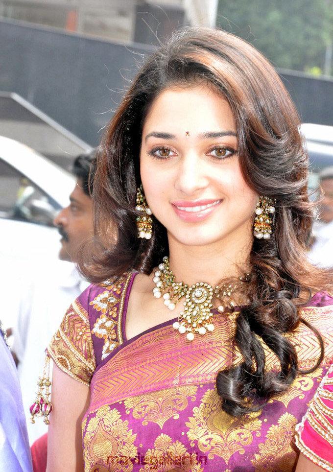 Tamanna Saree Gulte: Tamanna In Silk Saree Stills Tamanna Traditional Saree