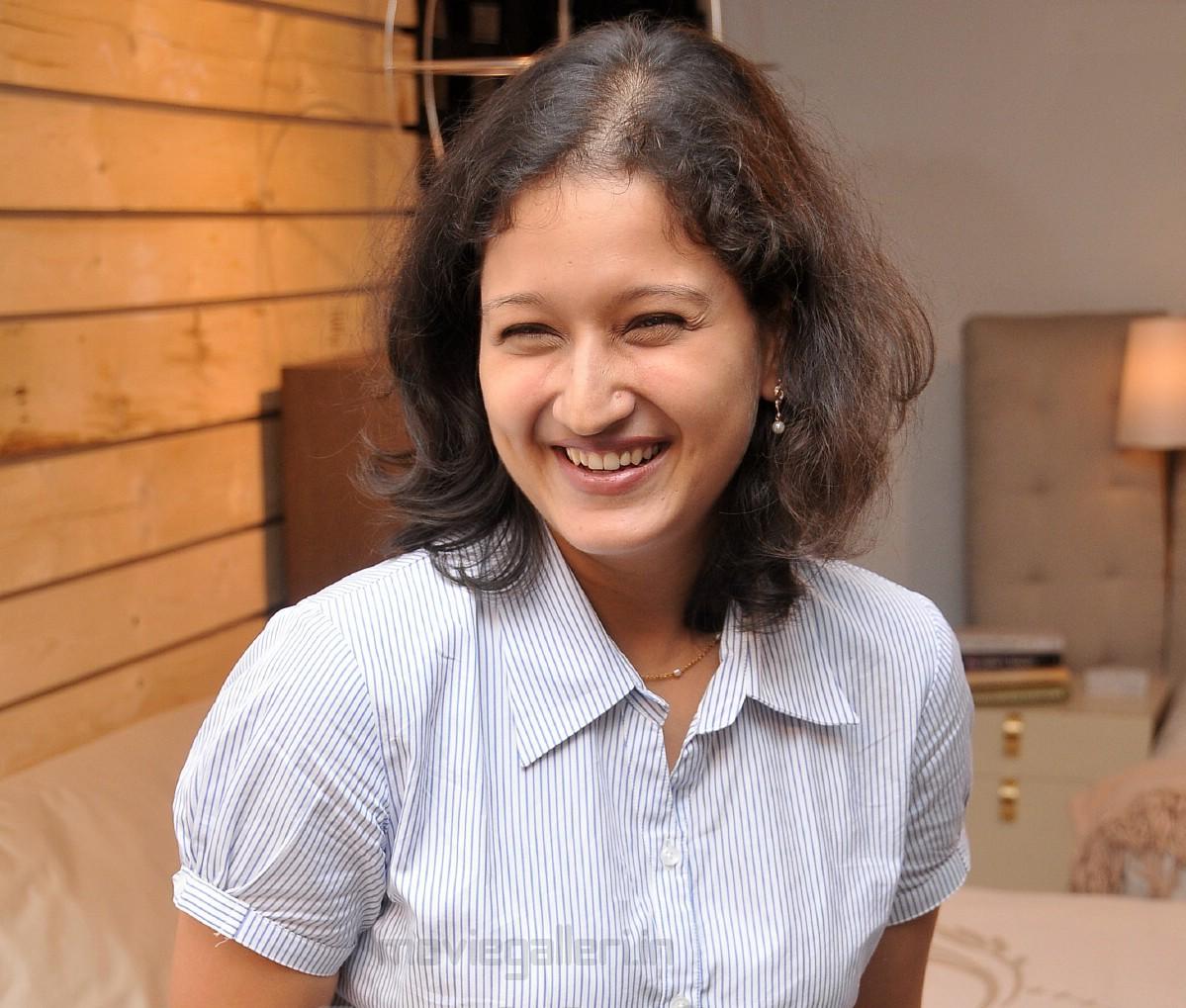 Tamil actress laila husband photos