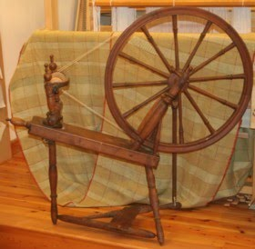 Dot S Fibre To Fabric Antique Spinning Wheel