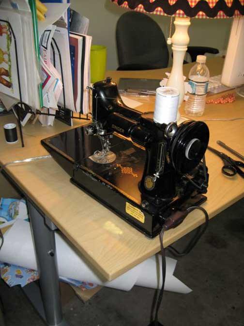 [sewing-machine]