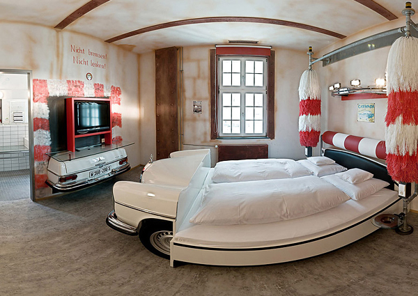 V8 Hotel for Car Enthusiasts [Stuttgart, Germany]