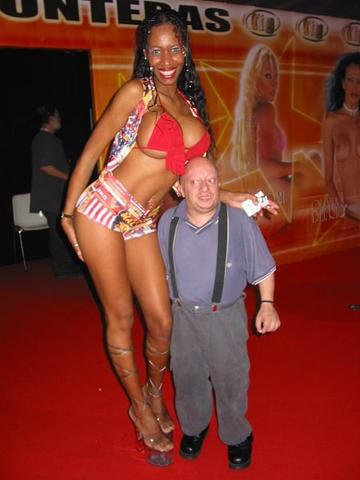 Tall women midget men