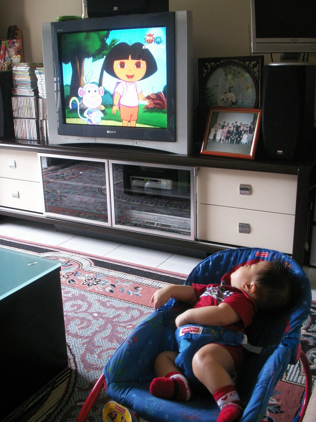My Bebes Vernon 蔡勇軒 Amp Gerald 蔡凱昇 My Baby Gerald Watching Tv