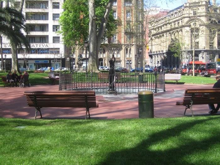 Fotos de arquitectura plaza de los jardines de albia for Jardines 4 bilbao