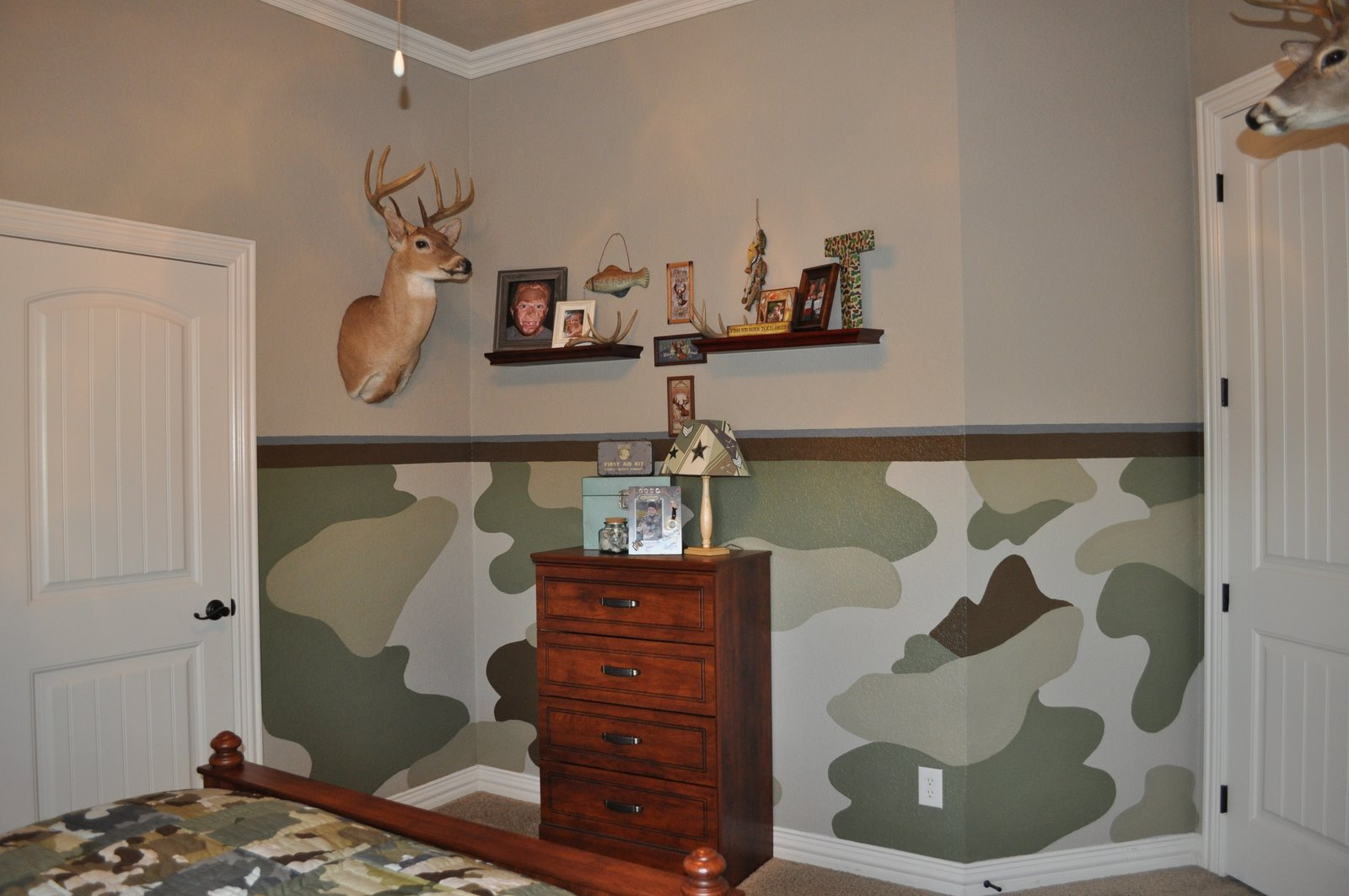 Painting and Design by Celeste: The camo room
