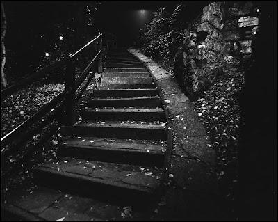 ����� ������ 0039-Stairs-dark-Alban-loch.jpg