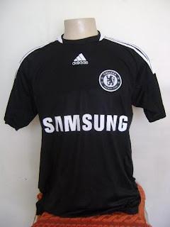 1cba76881252a Lindas camisas do Chelsea com a qualidade Adidas na cor preta away e azul  home num 20 do portugues Deco e 13 do Ballack. Tamanhos M  G  GG