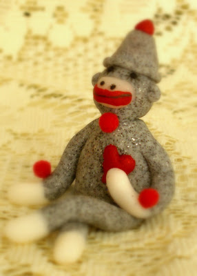 A Home School Story: Valentines Vintage Sock Monkey Sculptures..... :  arts and crafts sculpture sock monkey young artist