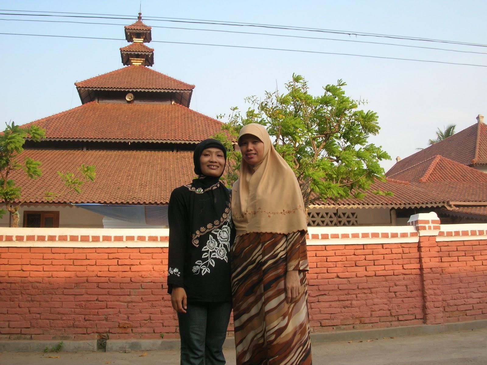 Masjid Agung Banten Unik Karena Atapnya Nusagates