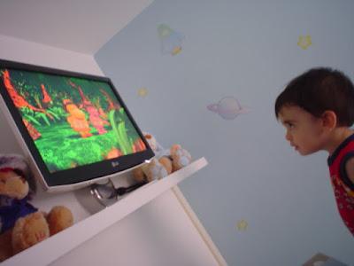 DVDs infantil - TV no quarto