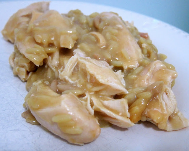 Slow Cooker Chicken & Gravy - only 3 ingredients!! Such a great weeknight meal! Just dump everything in the crock pot and let it work its magic! Serve over hot steamed rice with some green beans. SO easy and kid-friendly too! #slowcooker #crockpot #chicken #chickenrecipe