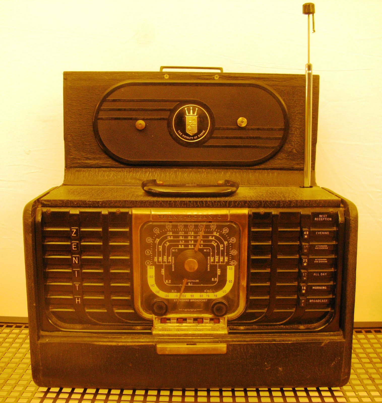 Antiques Vintage And More Transoceanic Zenith Radio