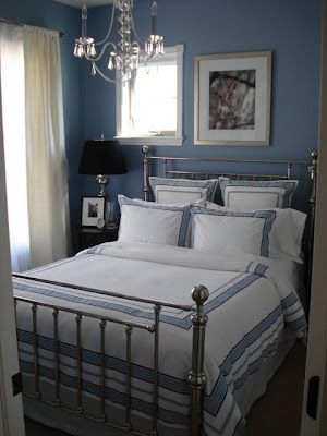 Spare Bedroom Ideas on Stylish Small  Bedroom With  Retro Blue Design