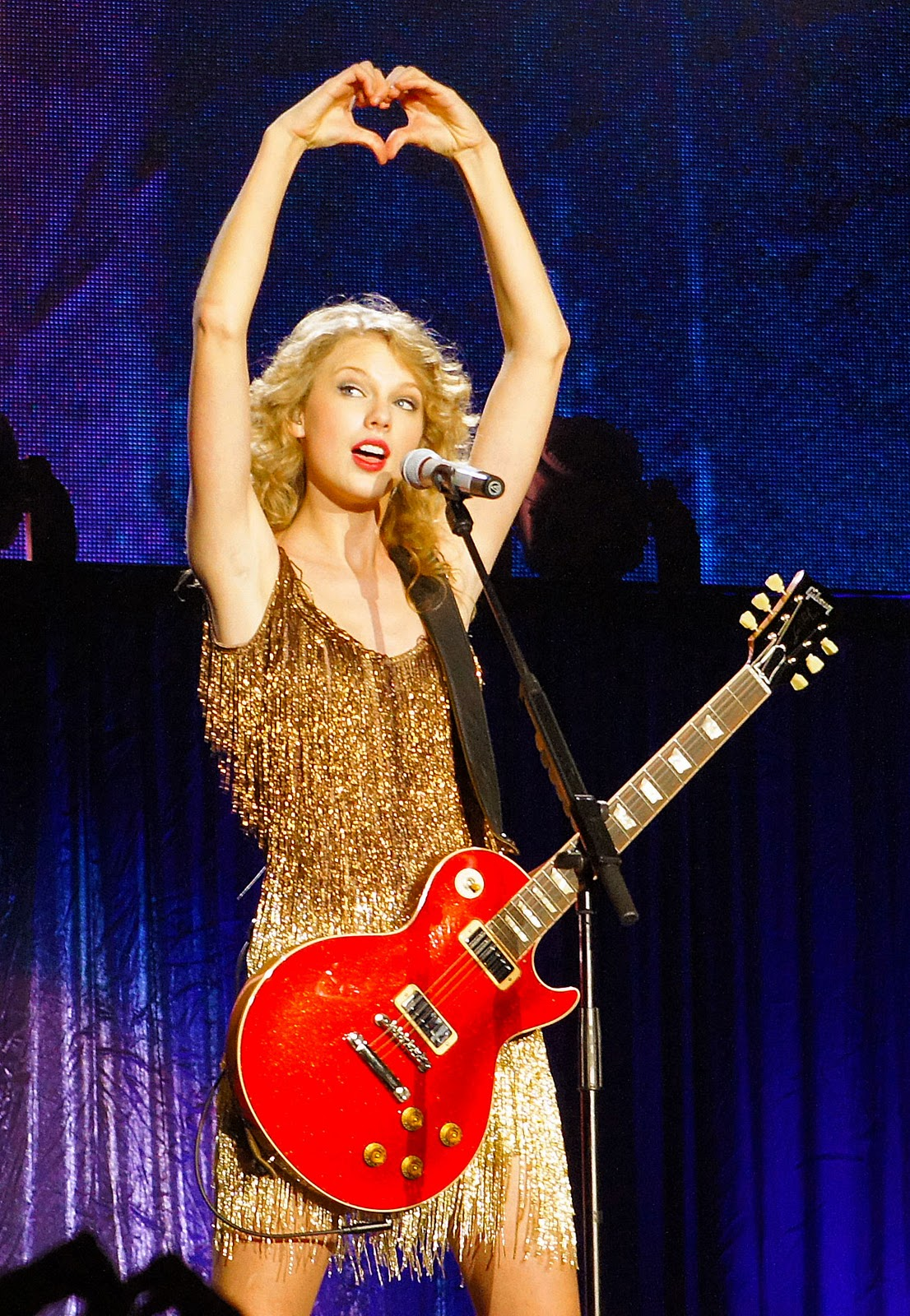 Taylor Swift Kicks Off Speak Now World Tour 2011 With Sold ...