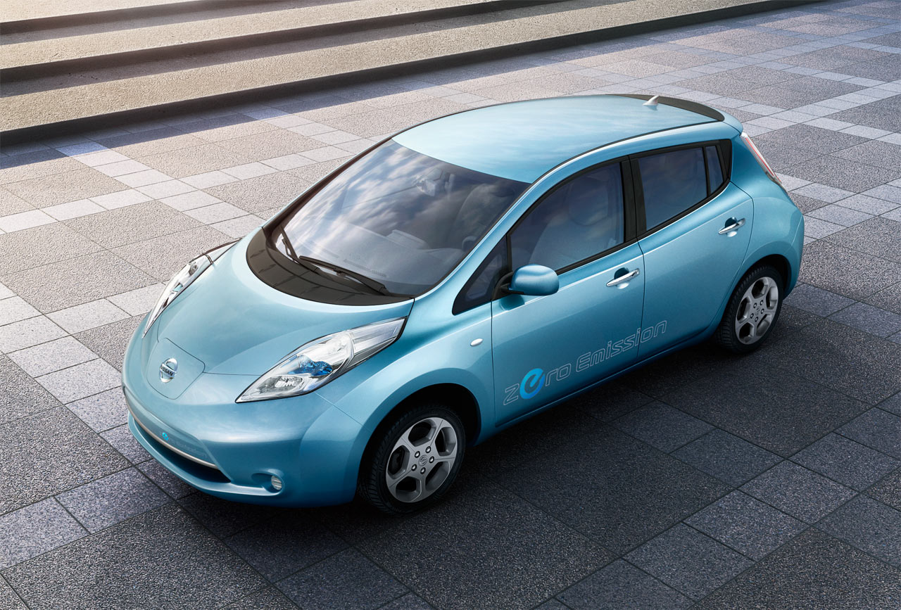 Electric Vehicle News March 2010 Working Of Cars Nissan To Charge 32400 For Leaf Car In Japan