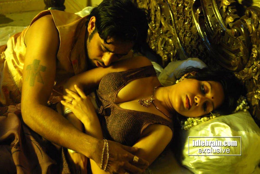 South Indian Hot Masala Pix Sensuous Monica Bedi Steamy -4582
