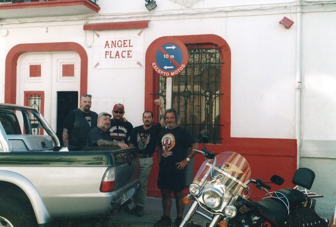 El tio Mao y sus Angelitos