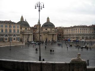 Piazza de Popolo in the rain