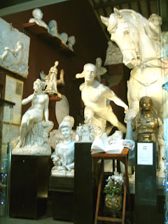 Statues for the home and the garden