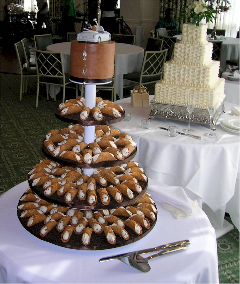 Cup a Dee Cakes Blog  Wedding Alternative   The Cannoli Tree From time to time I get a bride that s looking for something different  an  alternative for those that just don t care for cake  GASP   or just want