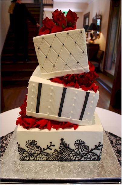 Black Lace Wedding Cake With Wedge Separators