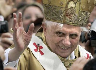 Benedict XVI, cara diabólica