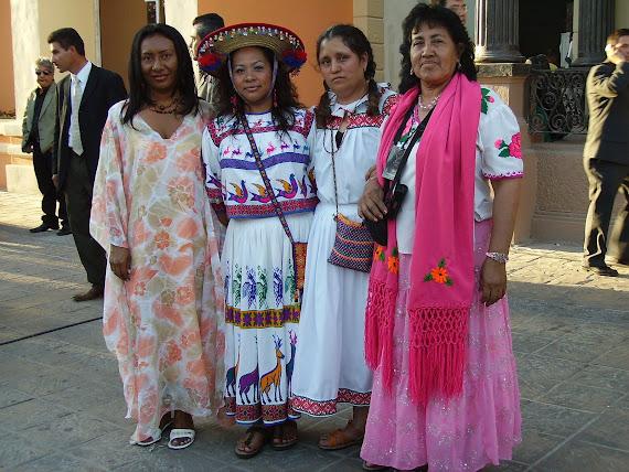 ESTERCILIA CON ANGELICA ORTIZ Y AMIGAS MEXICANAS