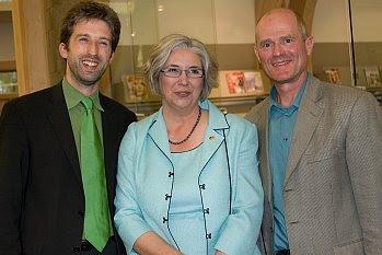 Der Tübinger OB Boris Palmer, Bibliotheksdirektorin Josie Parker und Mayor John Hieftje von Ann Arbor © Cornelia Schaible