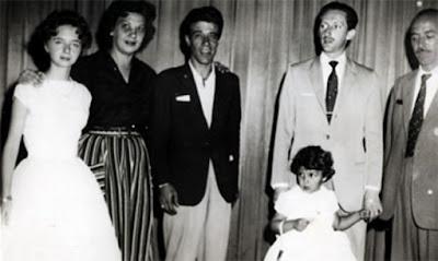 Albertinho Fortuna (en el centro)