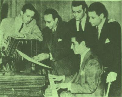 Armando Laborde con Alberto Echague, el pianista Salamanca y el bandoneón de Héctor Várela todos integrantes de la orquesta de Juan D'Arienzo