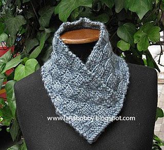 Knitting pattern instruction gray scarf neck warmer.