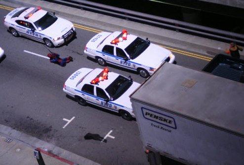 spider man web swinging 1 - Spiderman haciendo lo que hace mejor.