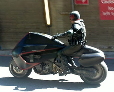 judge dredd  new lawmasterbg - El Juez Dredd en su motocicleta.