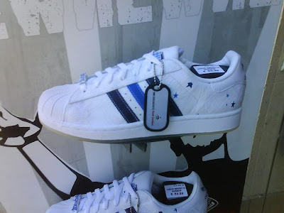 Les3bandes: Les chaussures Adidas Superstar blanches à