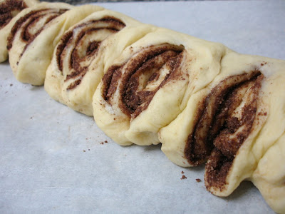 ... - English version: Danish chocolate-streusel-swirled coffee cake