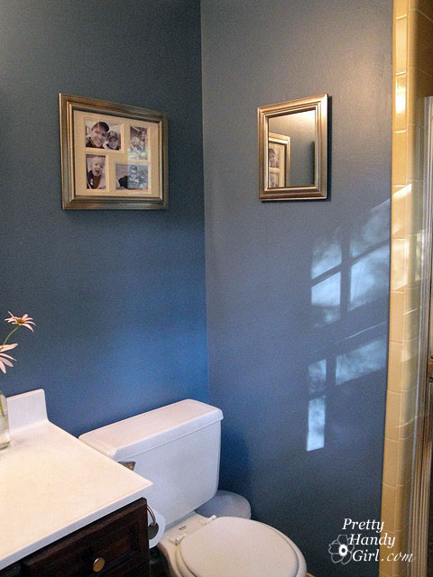 I Have A Dirty Little Secretmy Master Bathroom Is UGLY Pretty - Gold bathroom paint