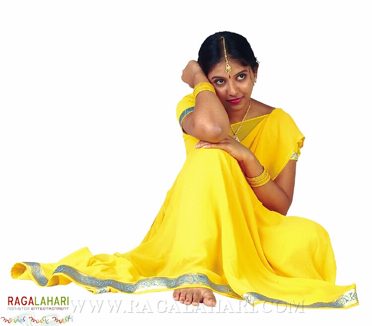SHOPPING MALL Actress Anjali Profile