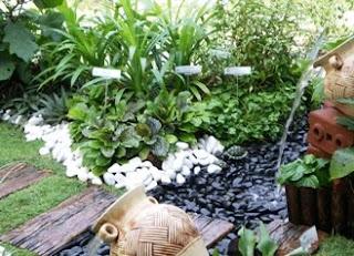 Di Sini Saya Paparkan Contoh Taman Dapur Edible Garden Jika Berminat Boleh Mencubanya Dah Buat Kawasan Rumah Selamat Mencuba