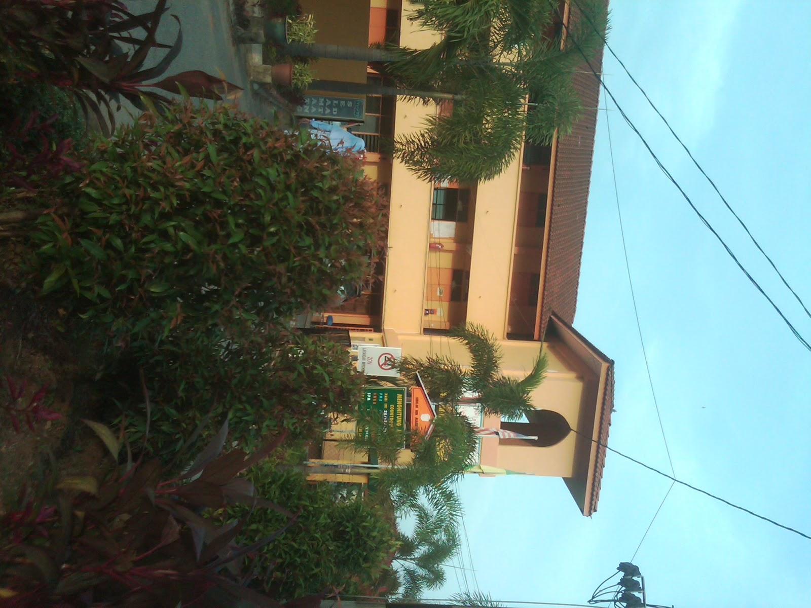 Sekolah Menengah Agama Fauzi Yan Kedah Red Pastel C