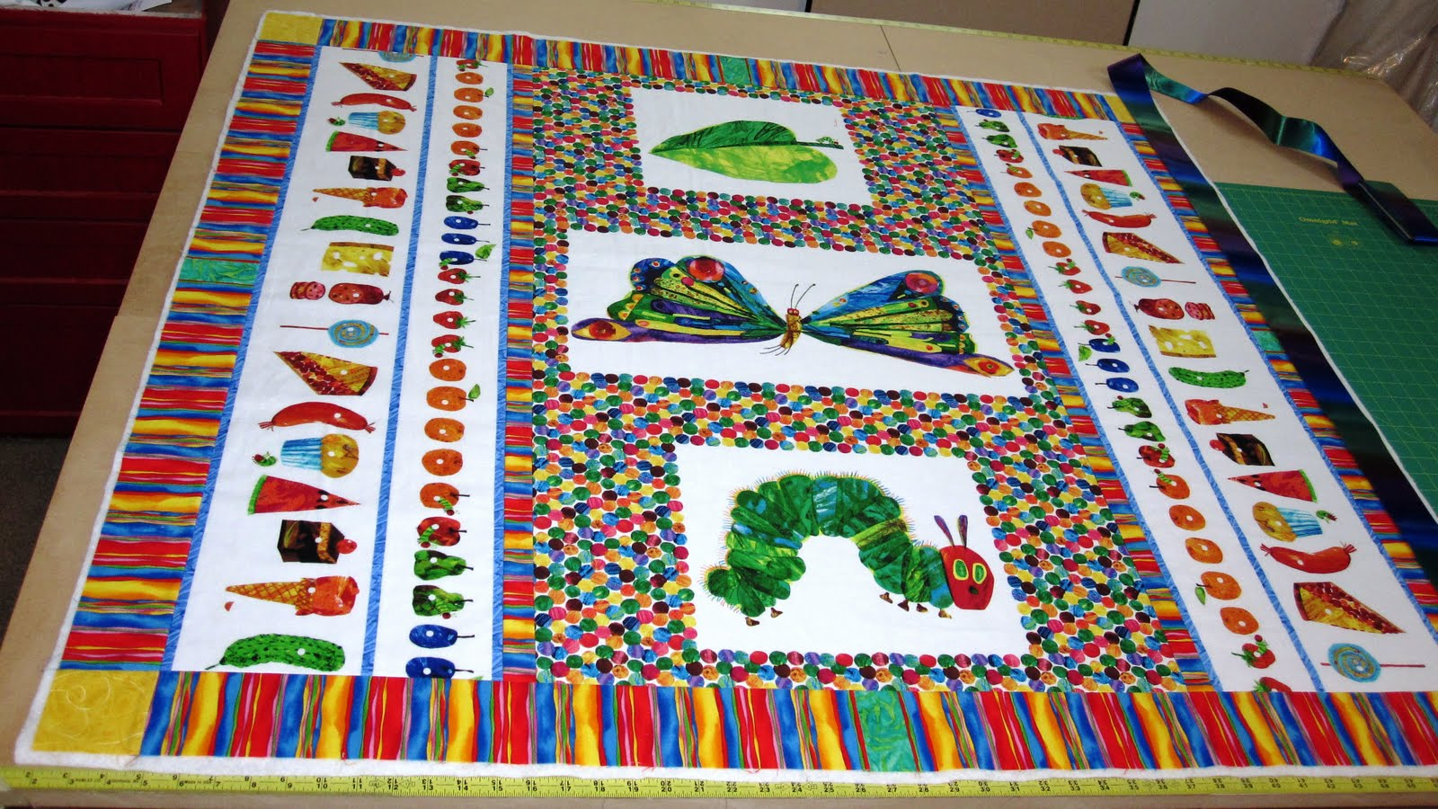 Cheeky Cognoscenti: Update: The Very Hungry Caterpillar Blanky ... : caterpillar quilt pattern - Adamdwight.com