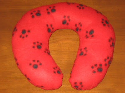 mommy sew pretty: Neck Pillows