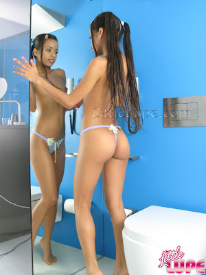 Golden teen girl body paint