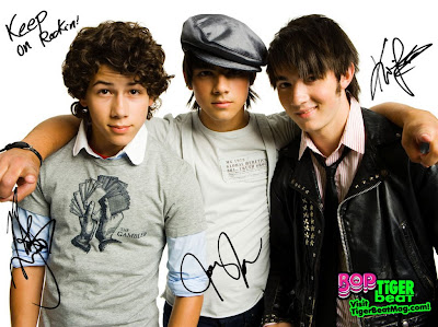 Pushing Me Away lyrics - Jonas Brothers
