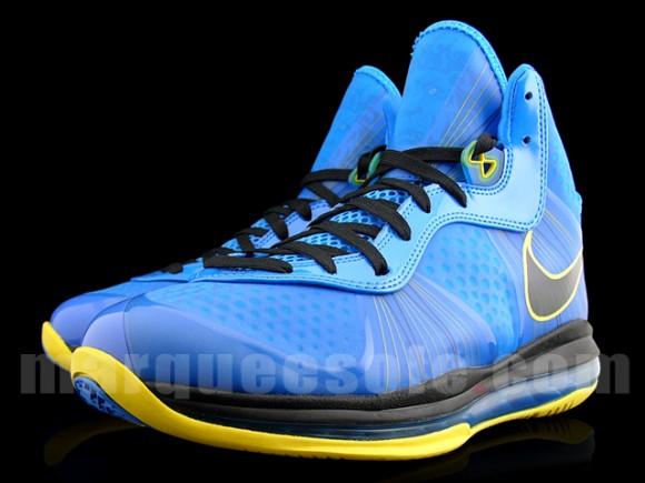 Nike LeBron VIII 8 V2 Entourage