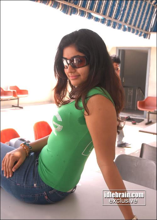 Poonam Bajwa Hot Sexy Stills  Cinegoogle-4782