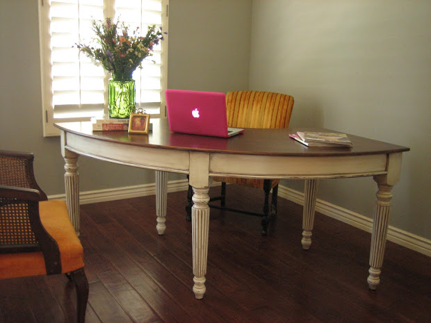 European Paint Finishes Curved French Chic Desk