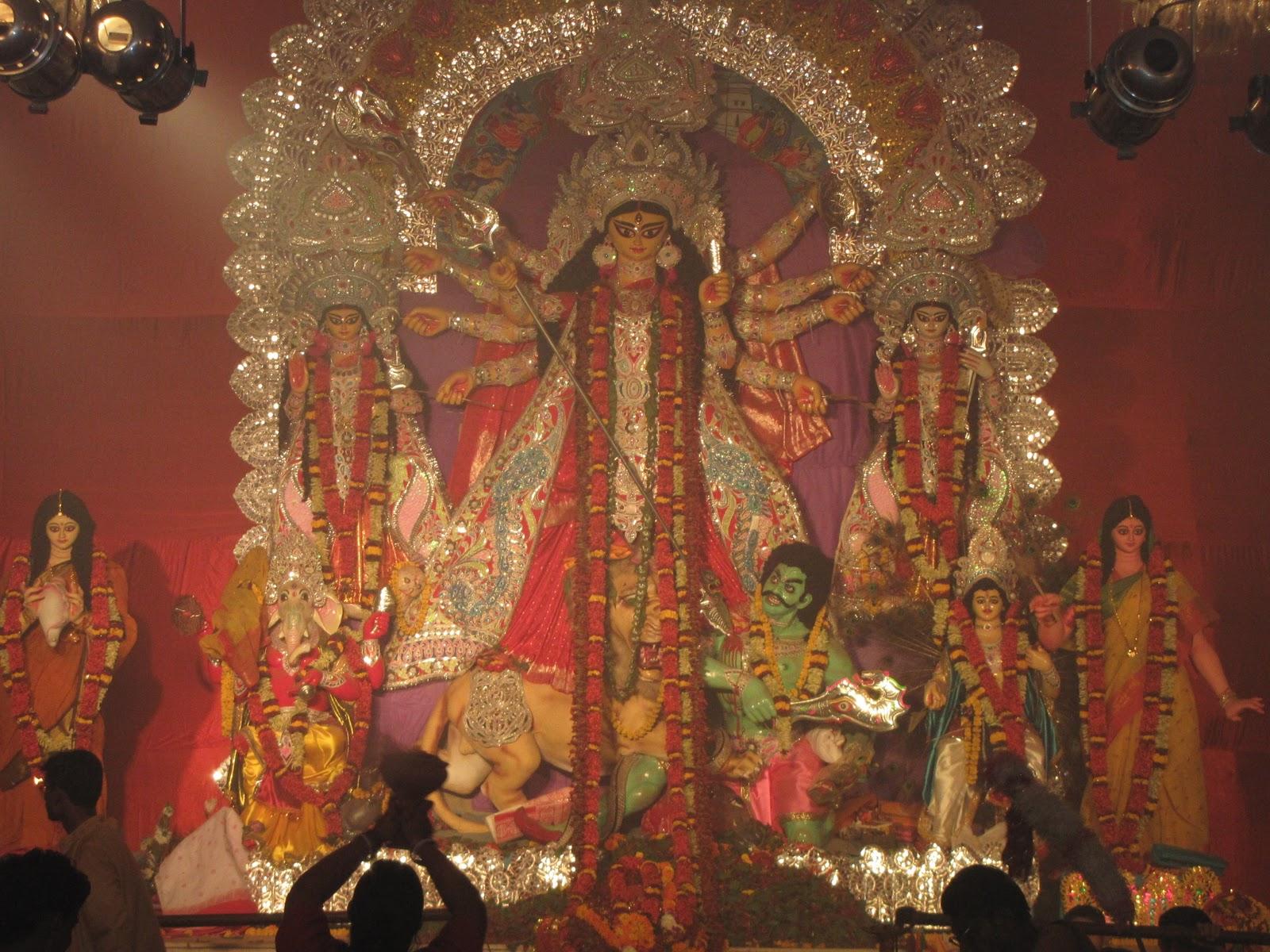 Durga Puja in Delhi CR Park