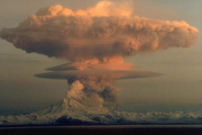 http://bp1.blogger.com/_gTJMEP-c2fo/SGDoJpXpEoI/AAAAAAAAAtw/8BzqBRyjW5Q/s400/Mushroom_Cloud.jpg