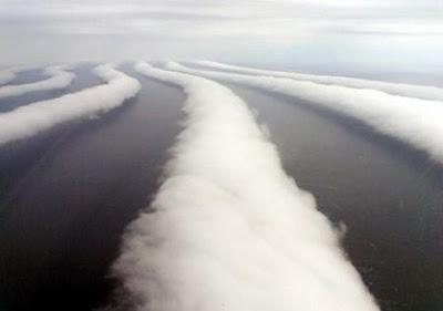 http://bp0.blogger.com/_gTJMEP-c2fo/SGDor2jzZeI/AAAAAAAAAuY/_bcb3JbHsNs/s400/Stratocumulus_Cloud.jpg